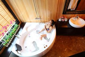 modern bathroom on halong cruises